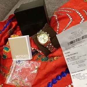 NEW Ladies Michael Kors Gold Watch,gorg.!